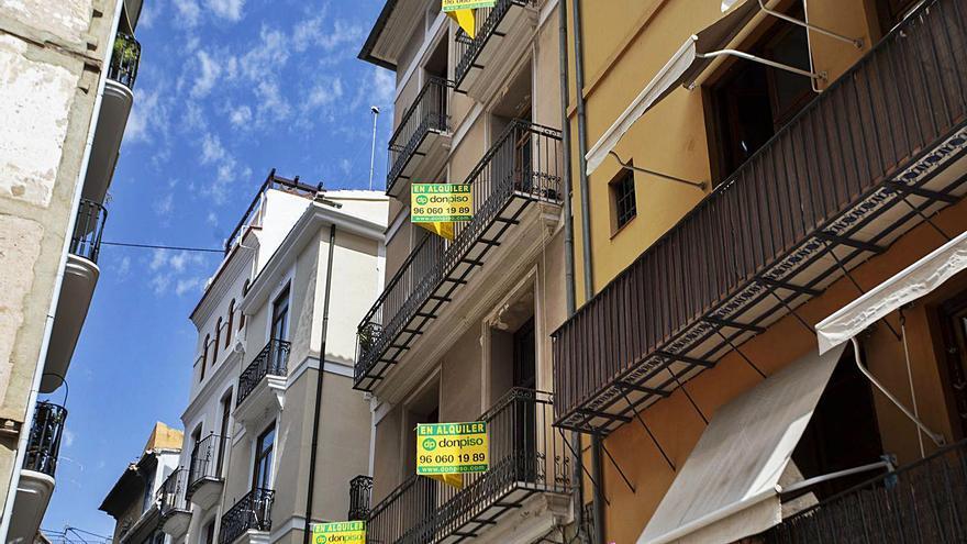 La oferta de pisos de alquiler en València crece un 35 % por el impacto de la crisis