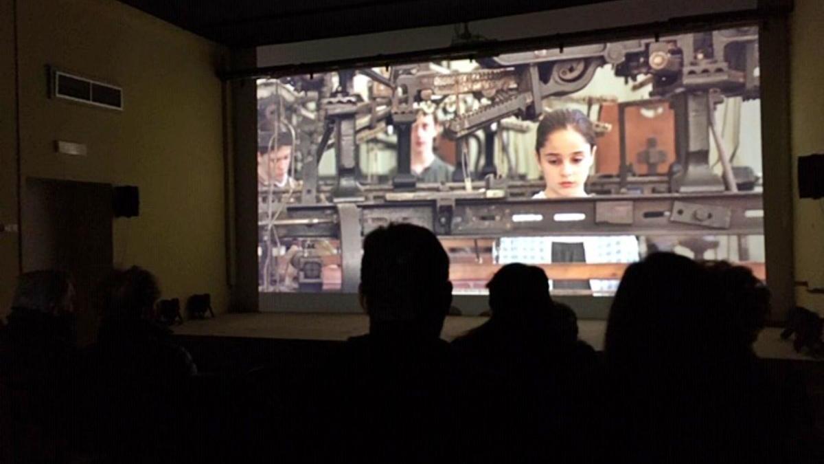 El cinema esdevé mirall a la colònia Vidal amb la pel·lícula «Terra de telers»