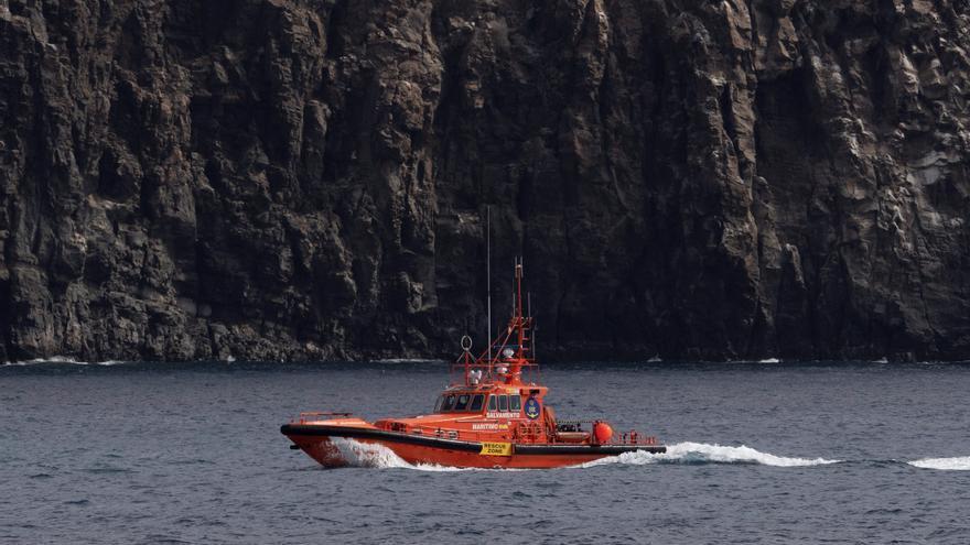 Otros 48 inmigrantes llegan a Gran Canaria, hacia donde navega otro cayuco