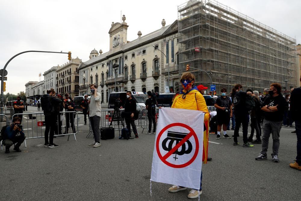 Manifestacions a Barcelona contra la visita del rei Felip VI