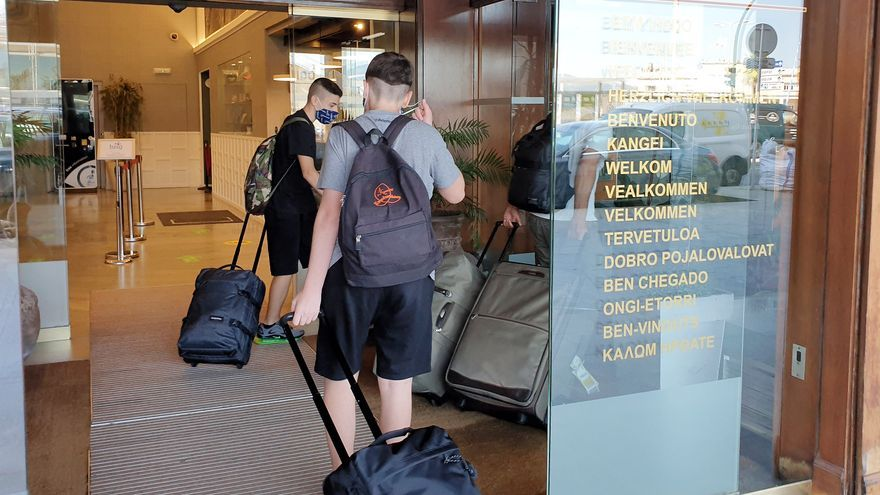 Las pernoctaciones hoteleras se duplican en agosto y las de extranjeros se triplican