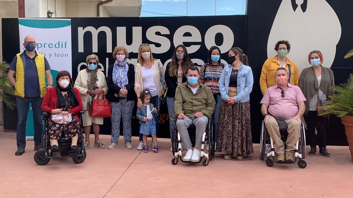 Participantes en la iniciativa posan en las instalaciones del Museo del Queso
