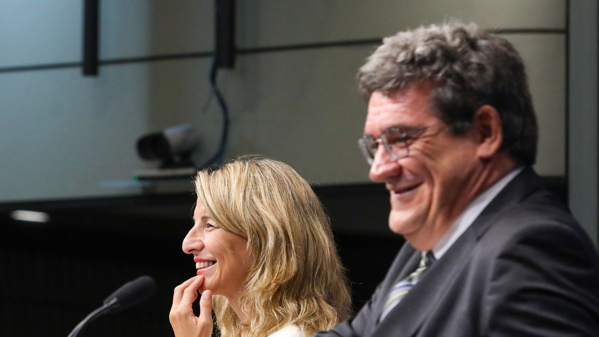 Yolanda Díaz y José Luis Escrivá.