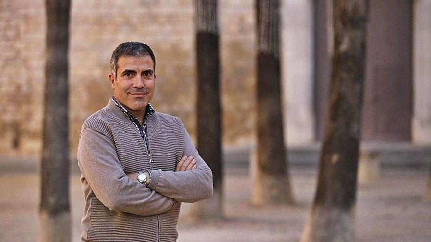 Francesc Serés guanya el Premi Llibreter 2021 de Literatura Catalana amb 'La casa de foc'