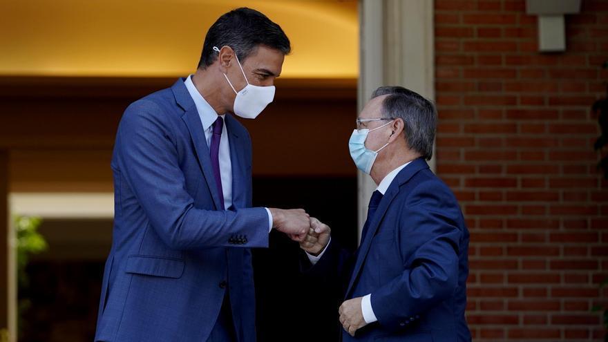 Sánchez recibe al presidente de Ceuta para buscar solución a las devoluciones de menores