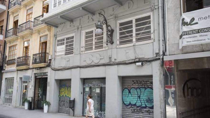Ribó aprueba que el Metropol sea un hotel si se conserva la fachada