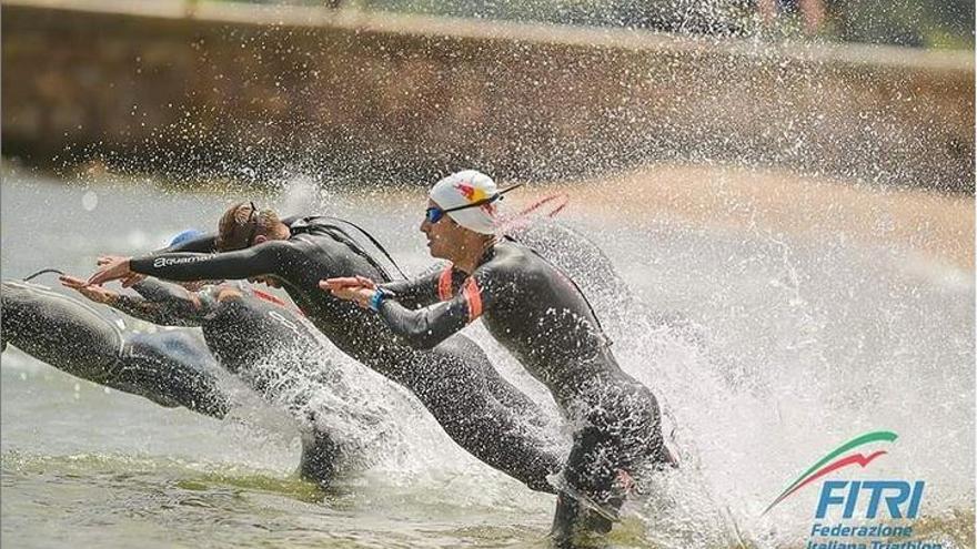 Tercera posición de Mario Mola en el triatlón de Arzachena