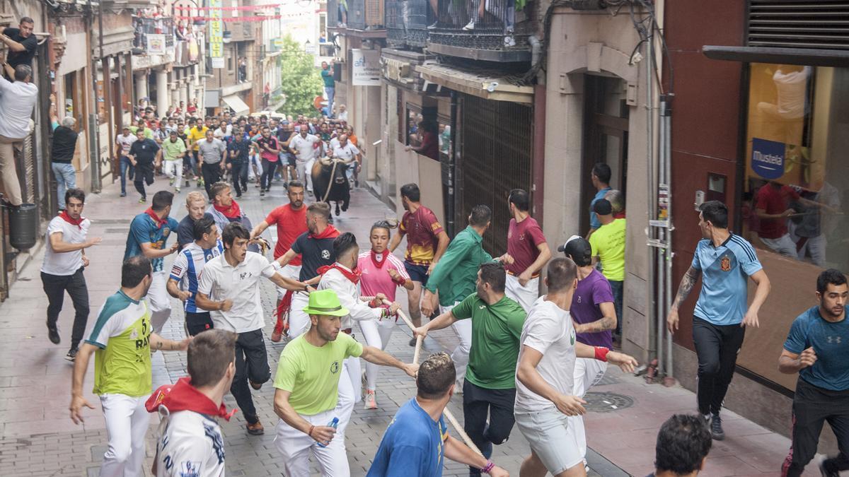Toro Enmaromado de 2019 en una imagen de la carrera en la rúa.