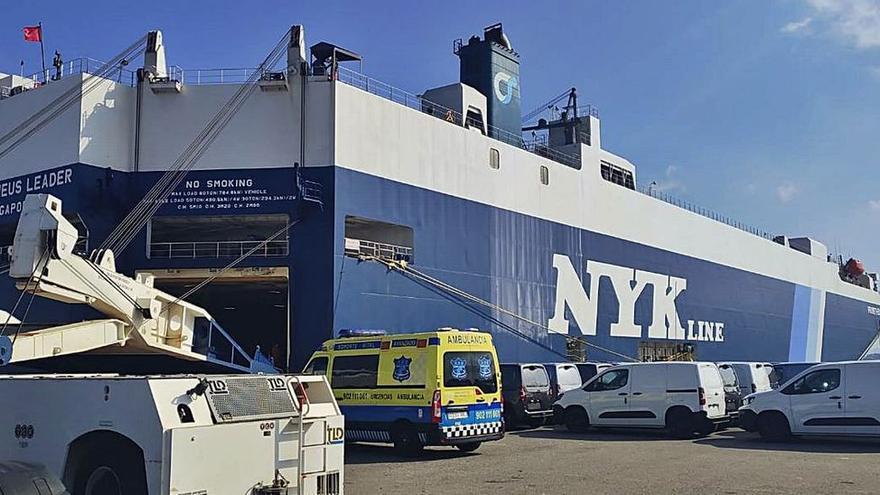 Investigan si los contagios de un carguero confinado en Vigo son de la cepa india