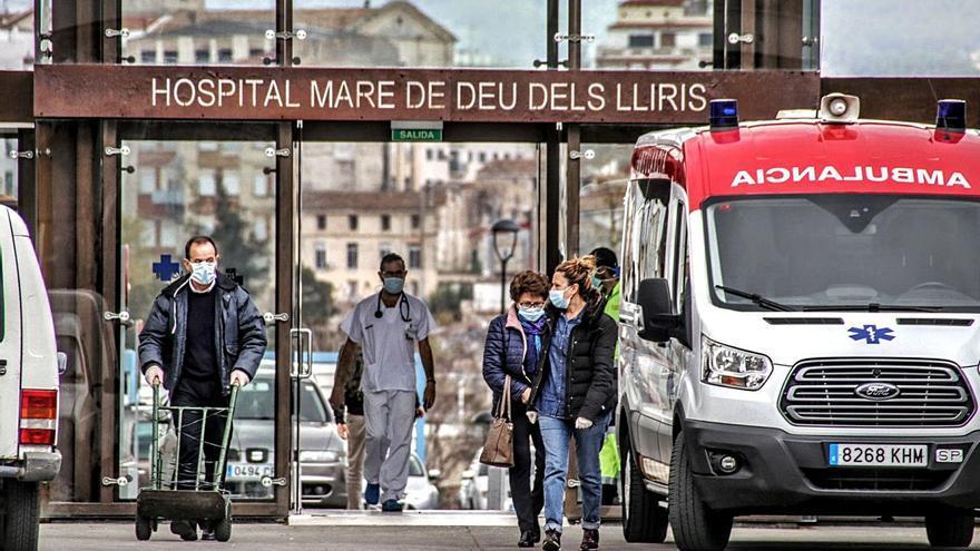 Sanidad logra cubrir un plaza de anestesista en Alcoy pero mantiene una vacante