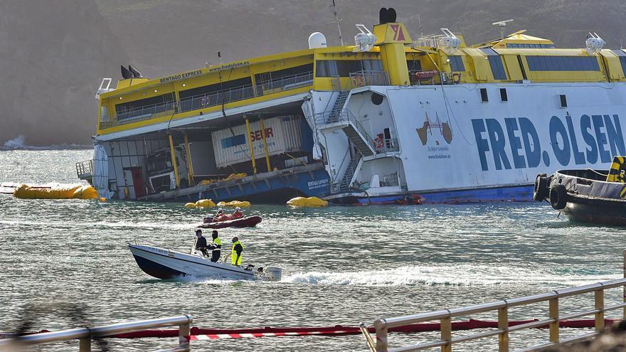 El gemelo del 'Bentago Express' opera estos días desde el Puerto de La Luz