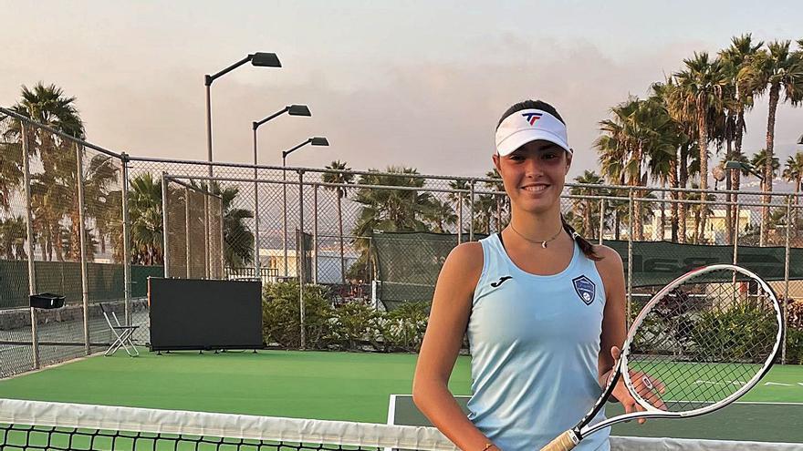 Elena Lobo, con tan solo 16 años pero con experiencia WTA