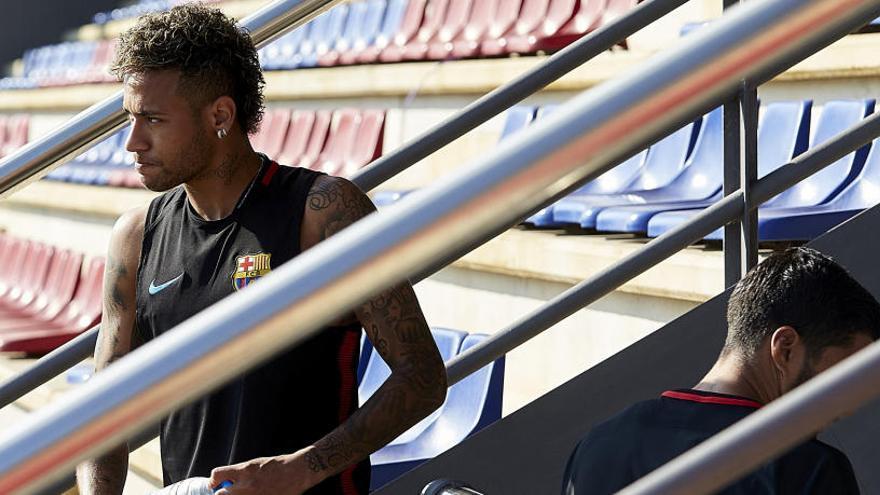 Neymar passarà la revisió mèdica amb el PSG a Doha, segons la premsa de Qatar