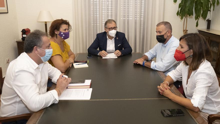 Martí abre el diálogo con la oposición para el presupuesto del 2022