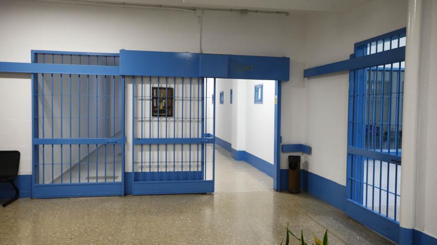 Unos 300 presos contagiados en sendos brotes en Picassent y Foncalent