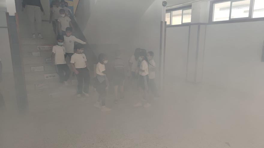 Primer simulacro contraincendios en un colegio con protocolo anticovid