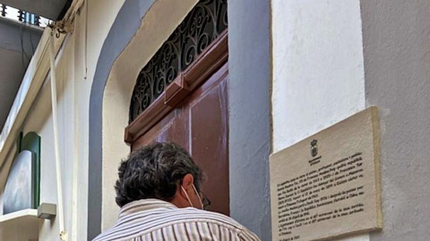 Vila dedica una placa a Ramón Medina en el 85 aniversario de su salida al exilio