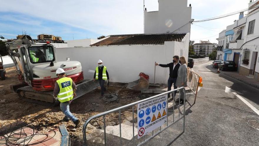 Acondicionan la calle Postigo, en el Casco Antiguo de Marbella