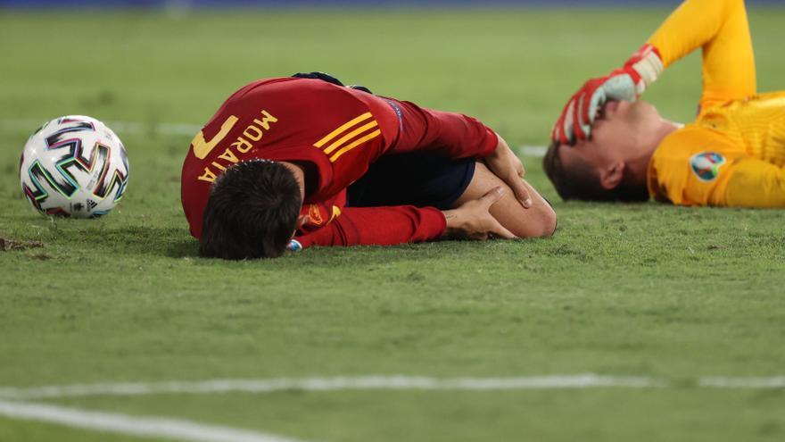 Espanya es torna a encallar i penja d'un fil (1-1)