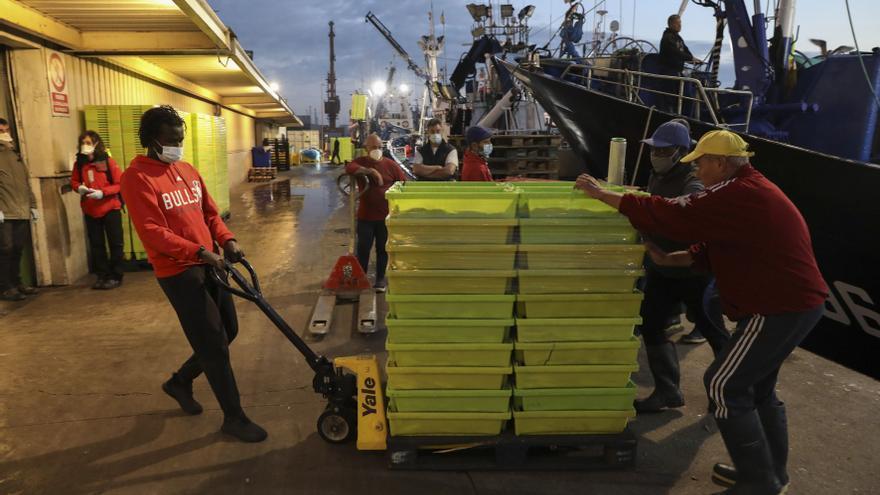 La Comisión Europea quiere meter tijera a los cupos del pescado del Cantábrico