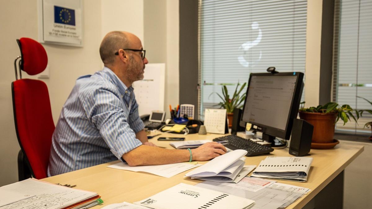 La normativa europea exige a las empresas adaptar los puestos de trabajo a las personas con discapacidad y con ello nace el nuevo servicio de ajustes de la entidad cordobesa.