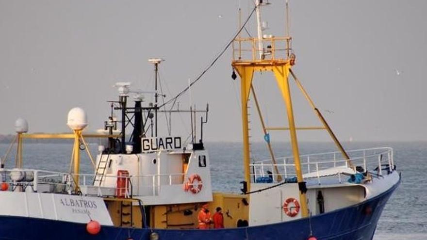Interceptan en Canarias un pesquero con 18.000 kilos de hachís detectado en diciembre en Galicia