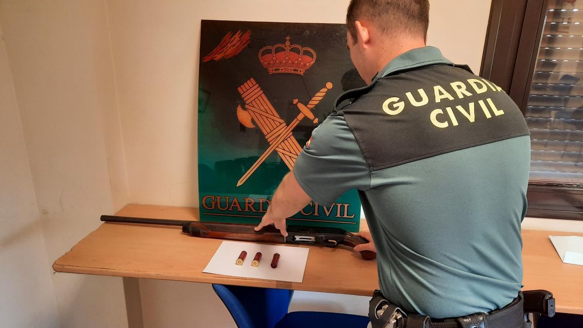 Detenido un joven en Baena acusado de tenencia ilícita de armas