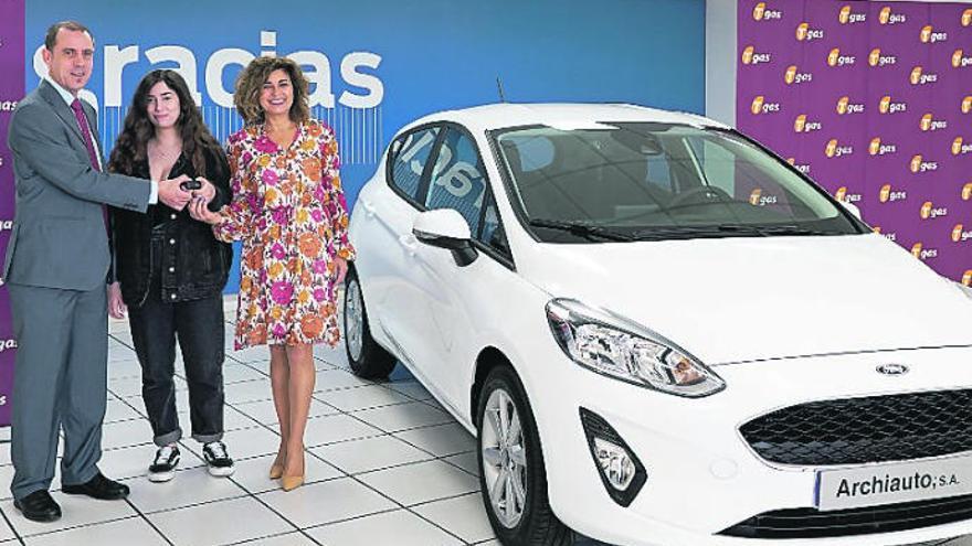 Noelia Barrios Carbó, ganadora de un Ford Fiesta