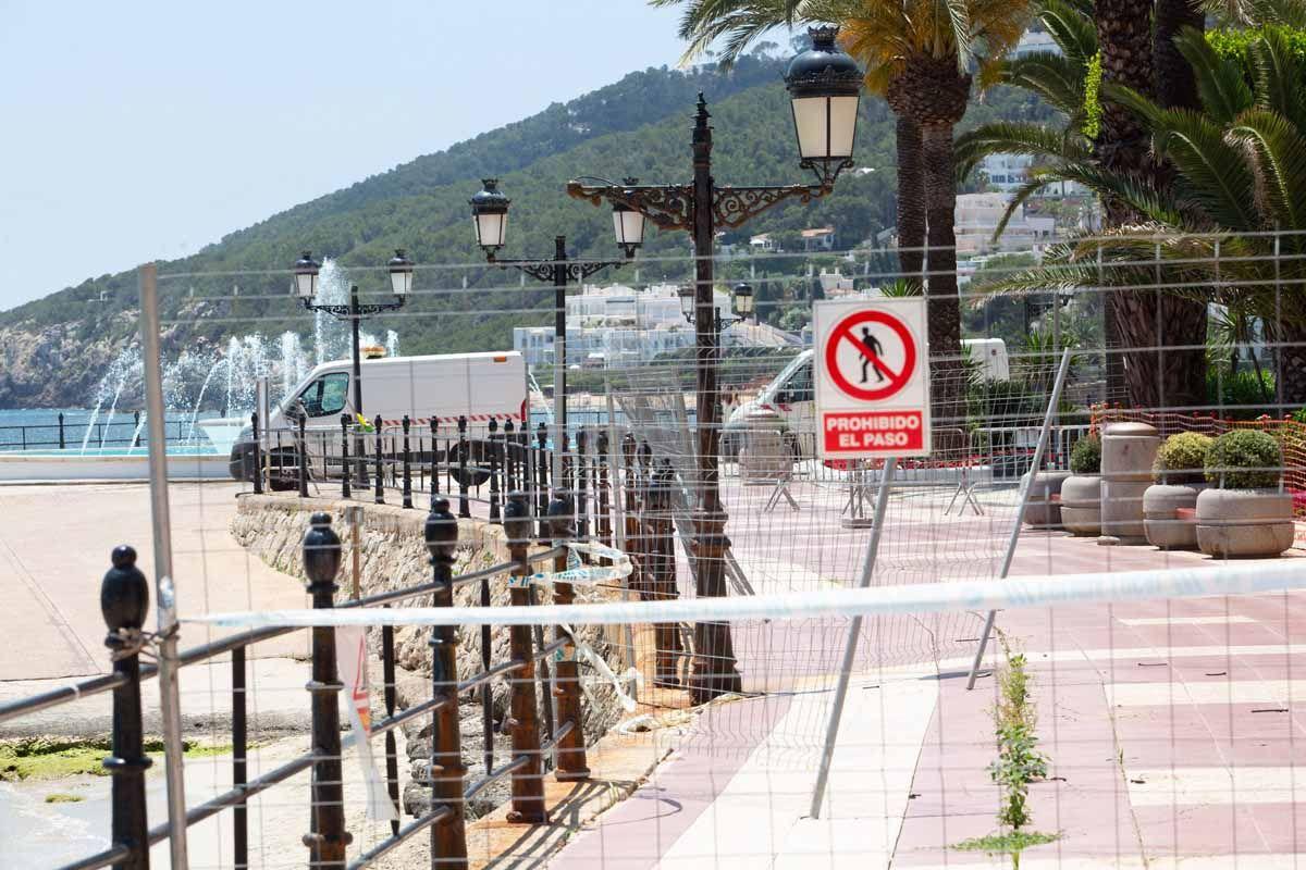 Empiezan los trabajos de reparación del Paseo Marítimo de Santa Eulària