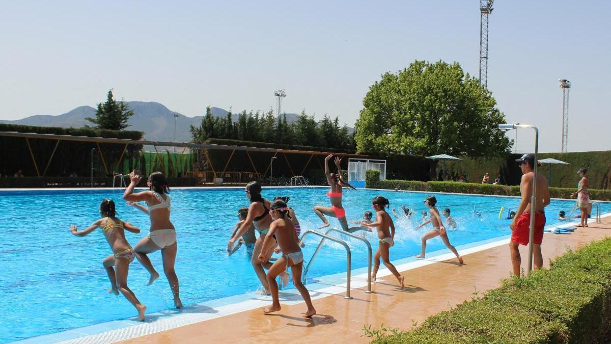 Abren las las Piscinas del polideportivo La Hoya de Jumilla