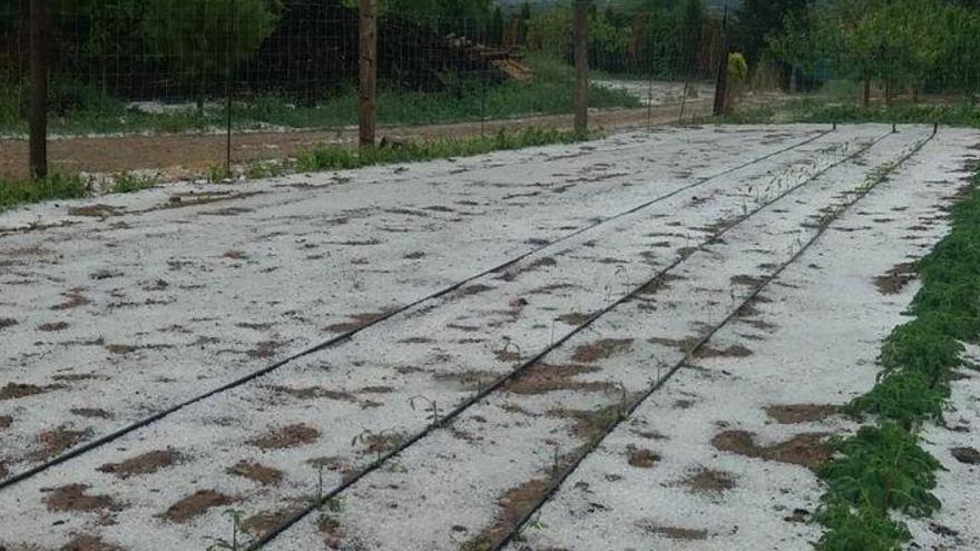 Impresionante tormenta acompañada de granizo en Cinctorres