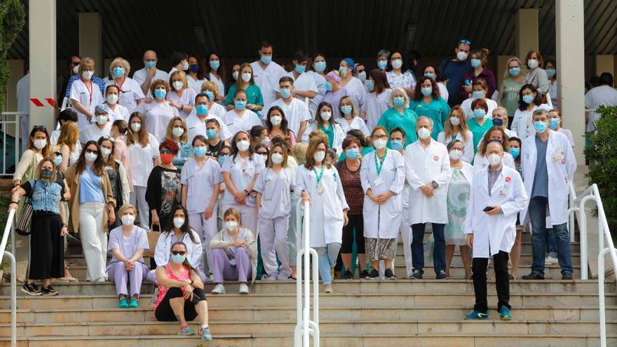 Protesta en Sagunt contra los despidos del personal de refuerzo en el hospital