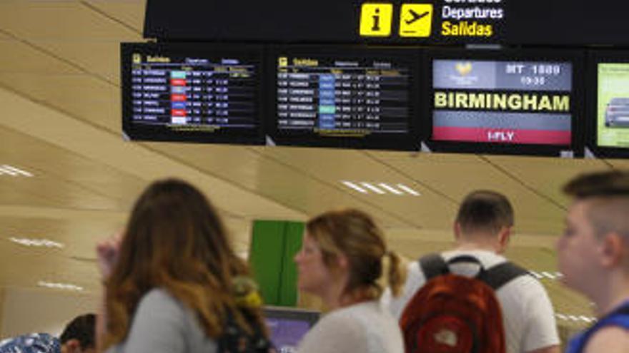 L'Estat adjudica la redacció de l'estudi informatiu del baixador de l'AVE a l'aeroport de Girona