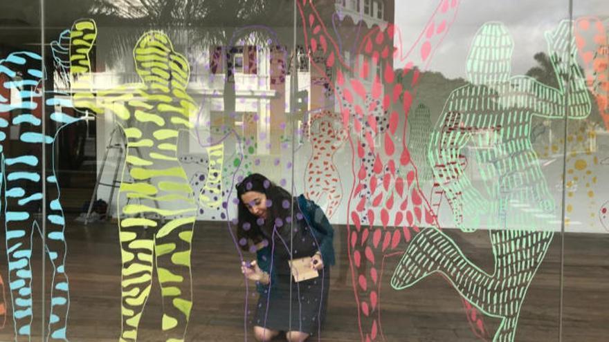El Cabildo presenta por el 8-M la exposición 'Diversas' de Rosa Mesa
