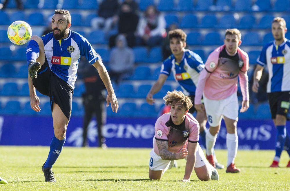 El Hércules desperdicia la ocasión y no pasa del empate ante el AE Prat.