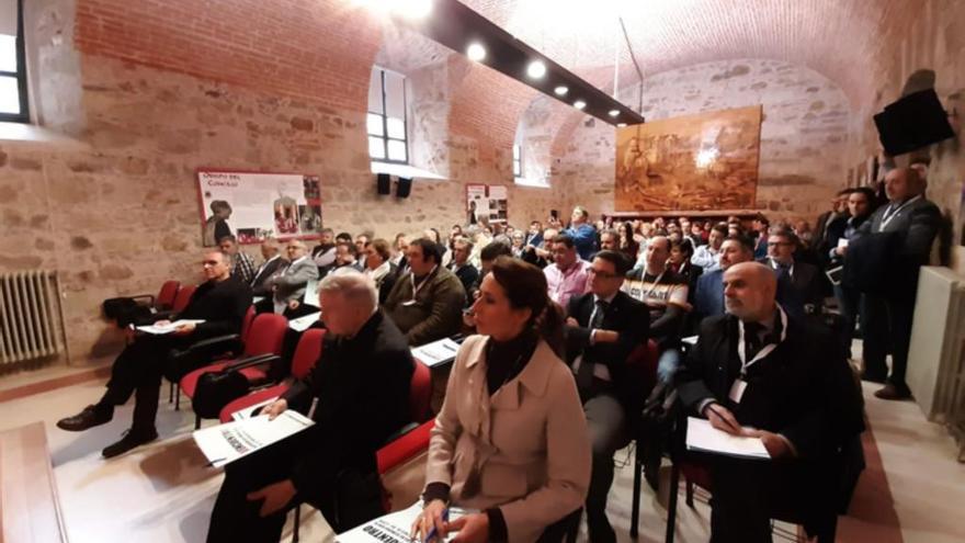 La Junta pro Semana Santa de Benavente participa en el VI Encuentro de Cofradías de León