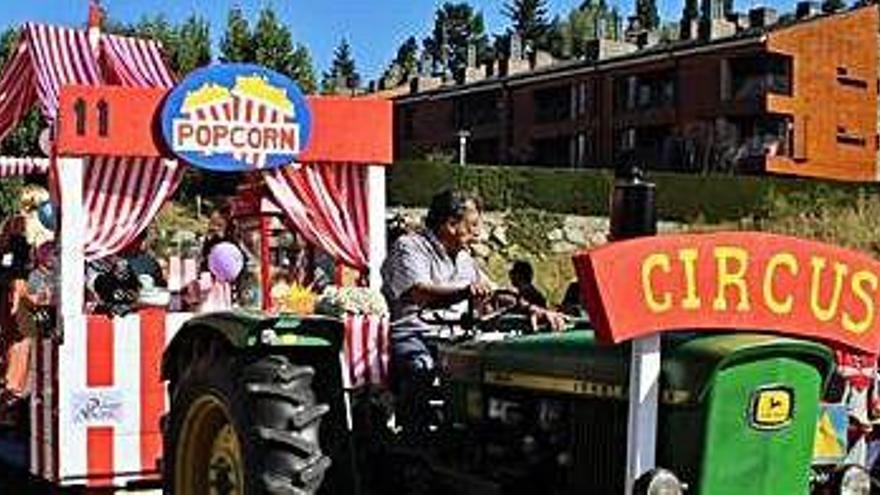 La carrossa dels Embalats  de Ger revalida la victòria a la Festa de l'Estany de Puigcerdà