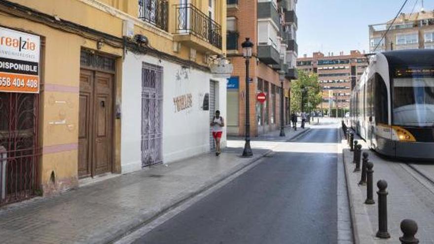 Calle Francisco Cubells de Valencia donde fue encontrada la mujer.