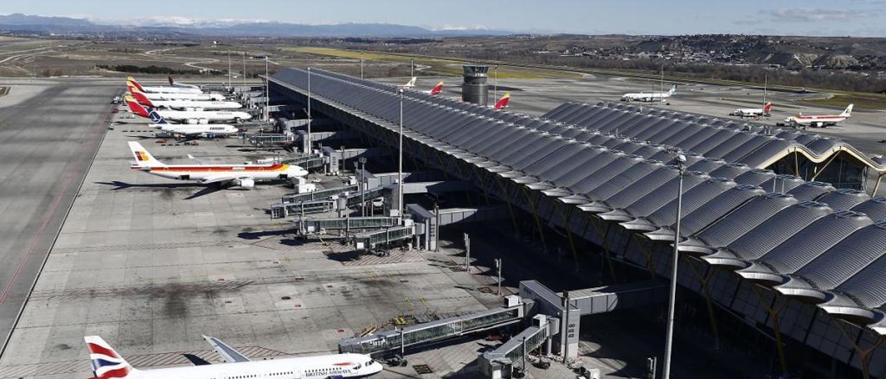 Aviones de British Airways e Iberia, en Barajas.