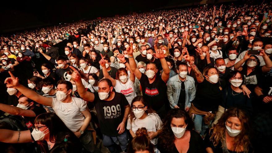 ¿Cuál es el primer festival con público de pie en València?
