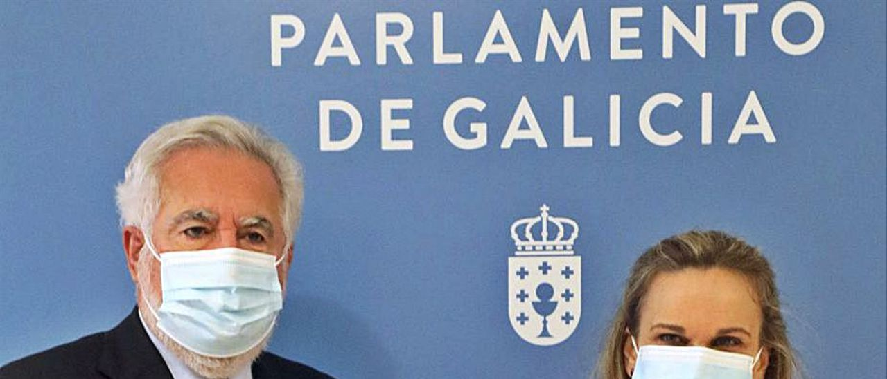 Dolores Fernández Galiño y Miguel Santalices, ayer. |   // XOÁN ÁLVAREZ
