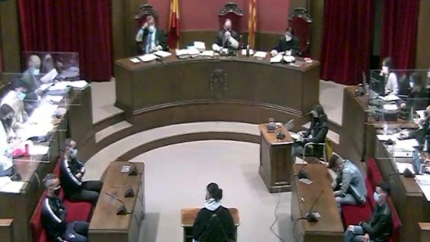 """El fiscal, a la víctima de la violación múltiple en Sabadell: """"¿Está segura de eso?"""""""