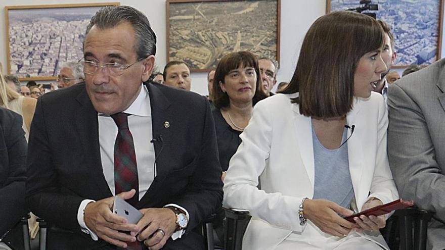 El PSOE de Gandia acusa a Torró de lanzar ataques machistas contra Diana Morant
