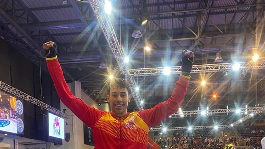 El deportista utielano Kevin Koffi Illueca, campeón del mundo en Kickboxing