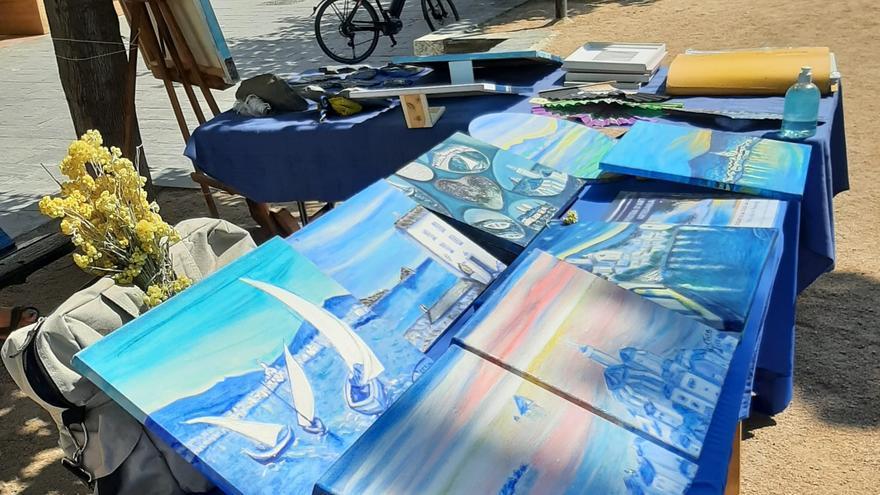 El Passeig de Cadaqués s'omple d'art, d'artesania i d'artistes