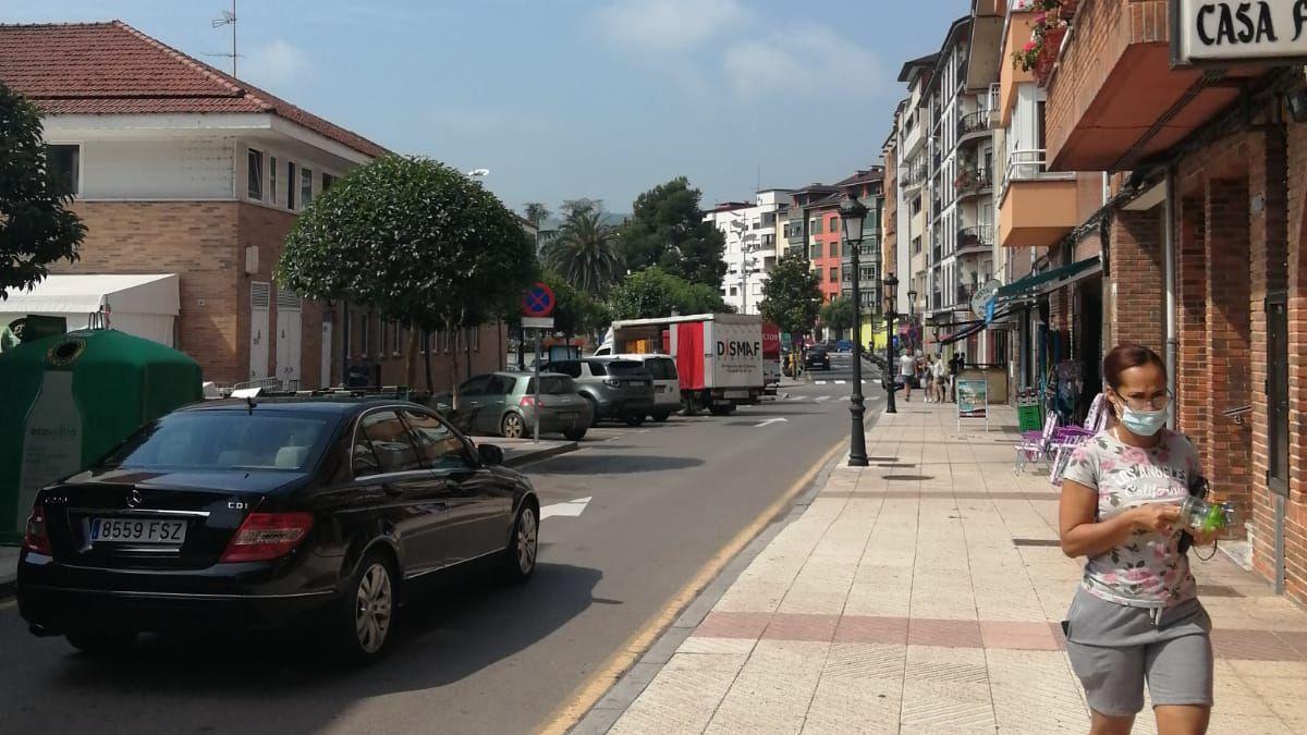 La calle Leopoldo Alas de Arriondas.