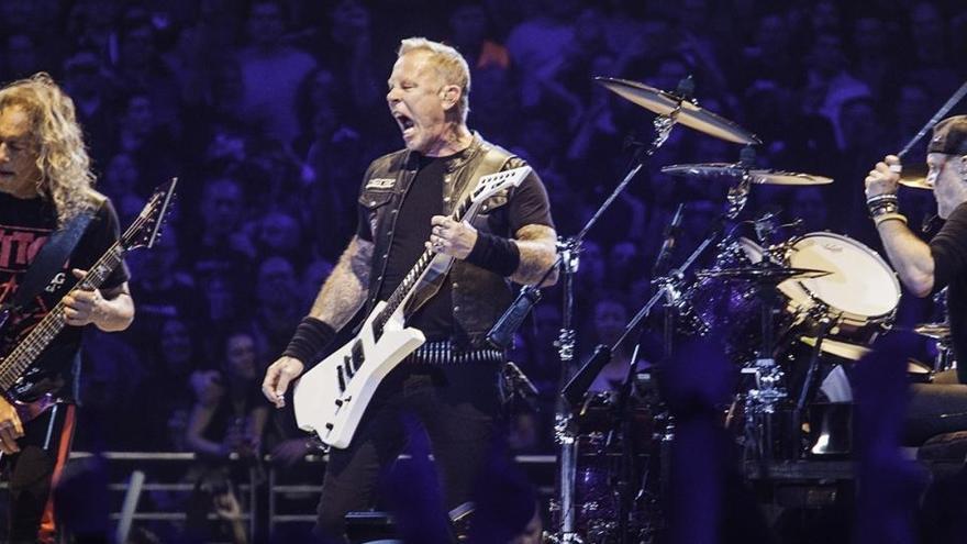 Metallica lanzará en agosto un disco sinfónico en directo