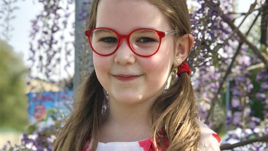 Inés, de 7 años, gana un concurso de debate
