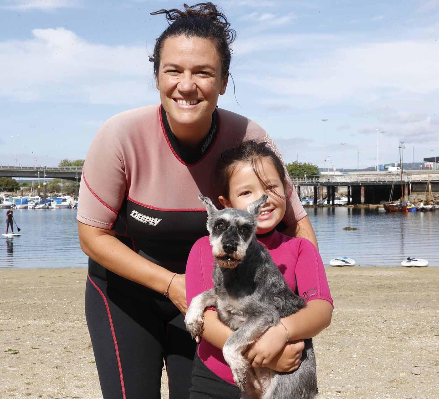 A la tendencia al alza de practicar pilates y yoga en el mar, se suman ahora las mascotas