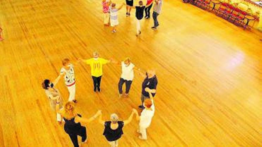 Martorell celebra la Diada Nacional de Catalunya amb la tradicional ballada de sardanes